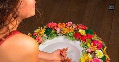 Refreshing flower bath